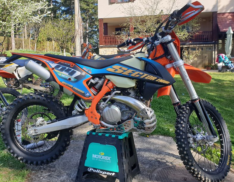 Brand new Sector Enduro Bikes